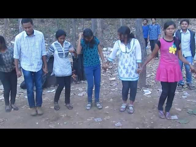chain dance in nagpuri song at pitapali picnic-2014 Travel Video