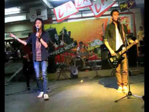 Andrea GRSB bersama JULY Band, Cijantung 2010