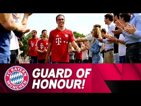 FC Bayern Guard of Honour for Philipp Lahm