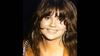 "Linda Ronstadt  ""I Fall to Pieces"""