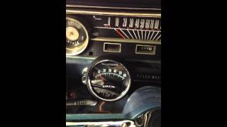 1964 1/2 Ford Mustang Starting the hot engine