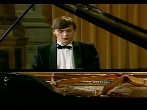 Andrei Pisarev plays Mozart Piano Sonata no. 11, K.331 - video 1991