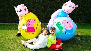 Ali and Adriana play with Peppa Pig Surprise eggs