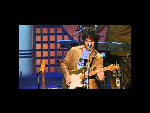 Hall & Oates - Live In Concert - 03 - Private Eyes (HQ).mp4