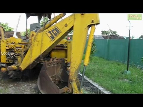 10 Years Old Boy Operating A Jcb 3d Machine