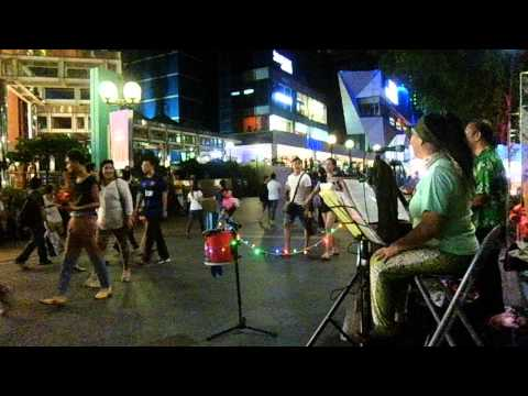 indonesian song in orchard road singapore