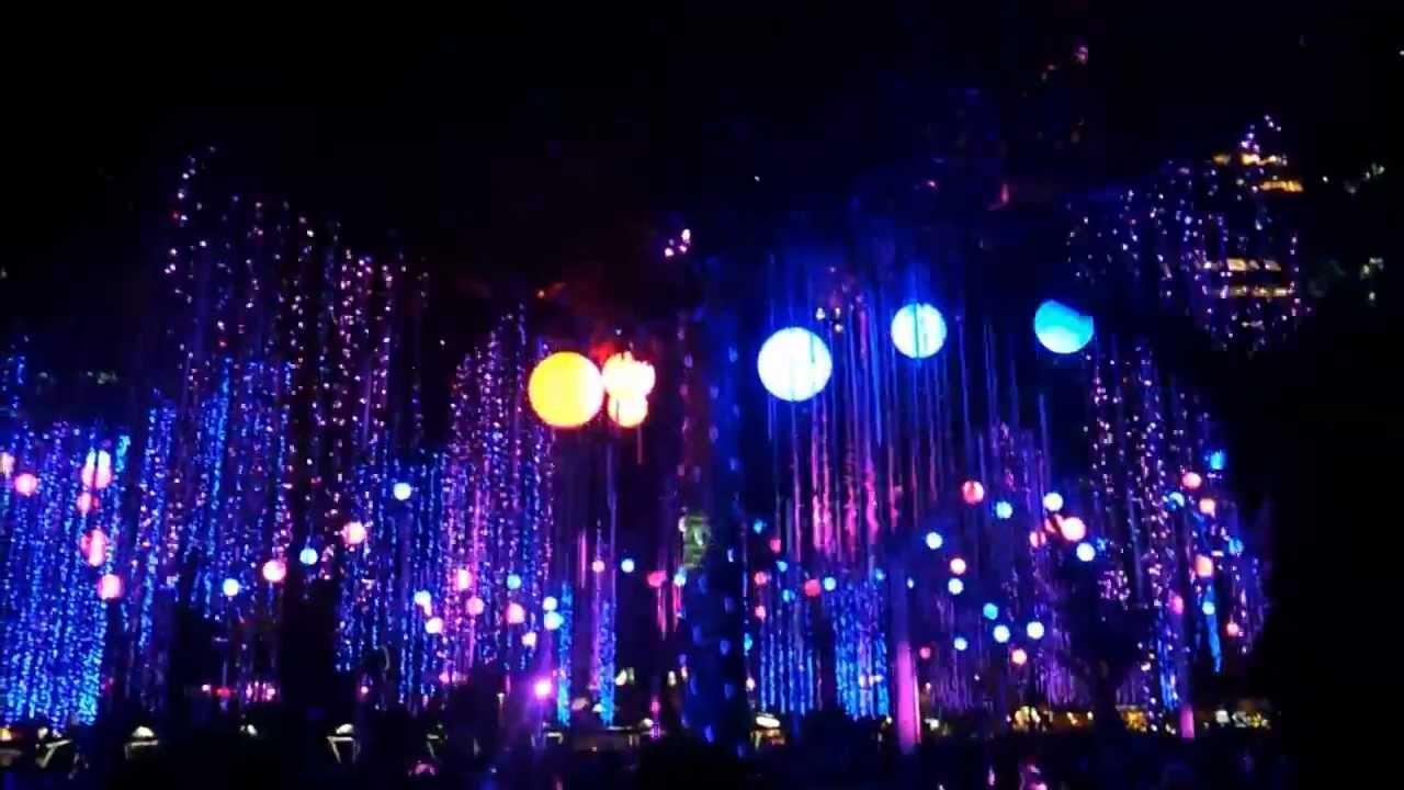 Christmas Dancing Lights at Ayala Triangle, Makati - YouTube