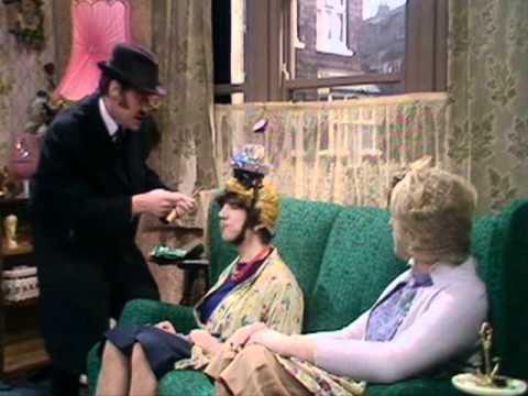 Monty Python's Flying Circus   'skecz o wysyłkowej sprzedaży mózgów'