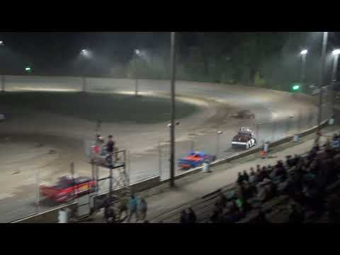 Pro Truck Heat Race at Crystal Motor Speedway, Michigan, on 09-16-2017!