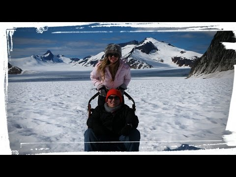 Juneau Alaska Helicopter dog sledding tour