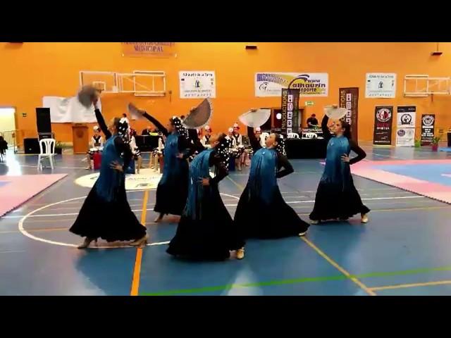 Grupo de baile Raquel Arias en el campeonato de Artes Marciales