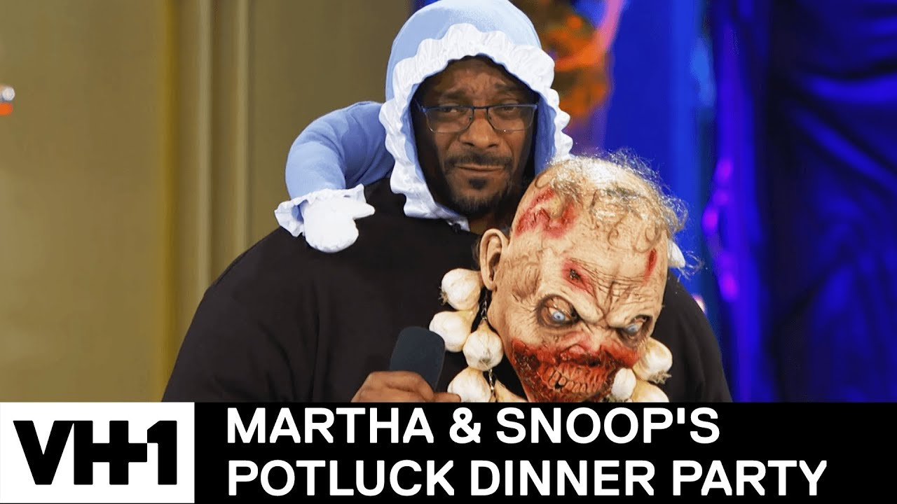 maxresdefault snoop dogg & martha stewart have a 'wrap' battle martha