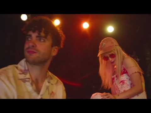 Tell Me How (Empty Arena Version) - Paramore - Music Video
