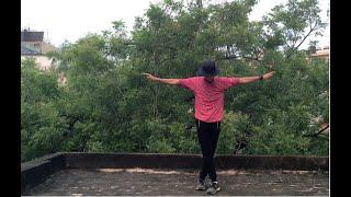 Dance on Muqabala muqabala song.