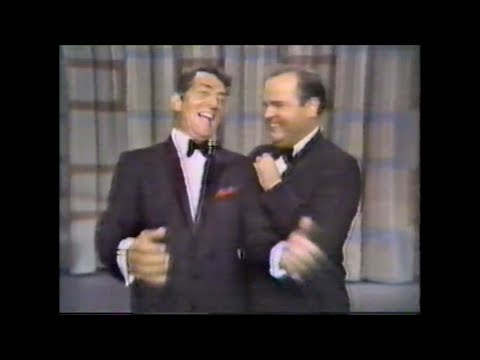 """Dean Martin & Dom DeLuise - """"That's Amore"""" - LIVE"""