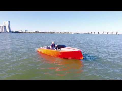 Orange yacht - Miami Yachts Group