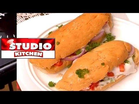 Studio Kitchen Garlic Bread 07-03-17
