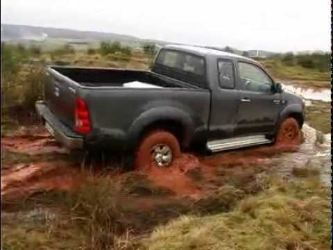 Toyota Hilux 2 5 Xtra Cab Offroad Test Quadjournal Youtube