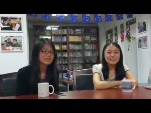 Students from Renmin University talking about Colin and his classes