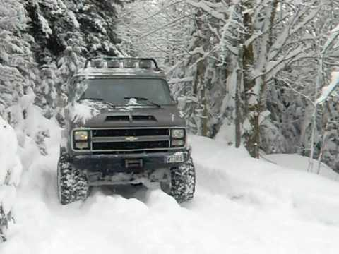 Chevy Van G30 4x4 - YouTube