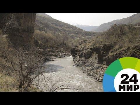 Разлившаяся река в КБР отрезала жителей и туристов от остального мира - МИР 24