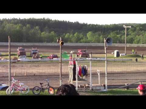 Hummingbird Speedway (6-10-17): Street Stock Heat Race #2