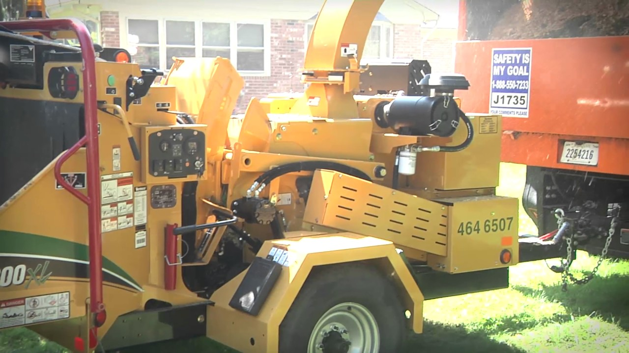 BC1200XL Gas Brush Chipper | Vermeer Tree Care Equipment