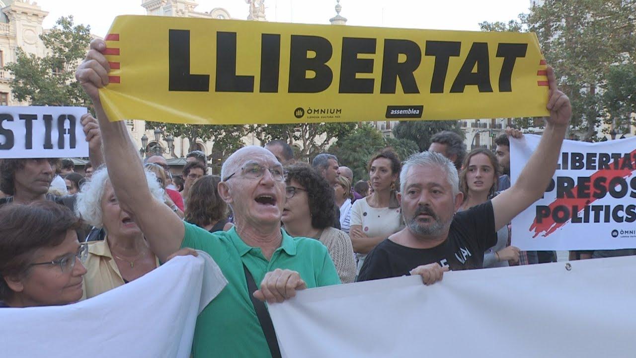Concentración En Valencia Para Protestar Contra La Sentencia Del Proces
