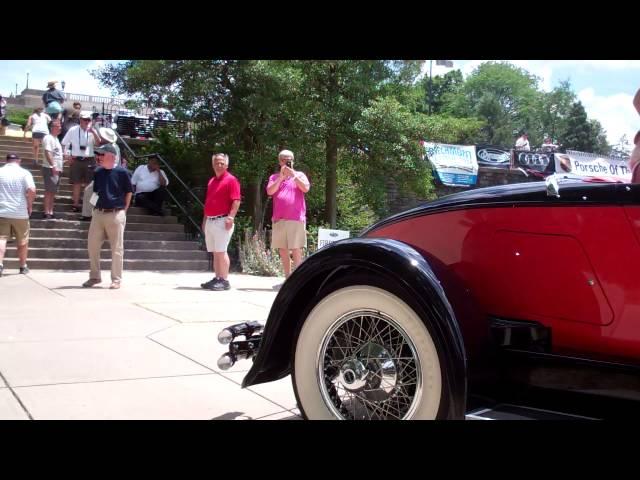 1928 Auburn 8-88 Boattail Speedster (i)