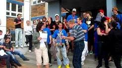 Lehrer der CDF-Schule rappen den Osterspaziergang