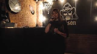 Asking Alexandria - Moving on (Karaoke cover)