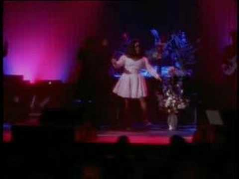 Patti Labelle - Somebody Loves You - Live in NY