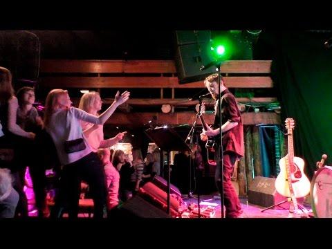 Acoustic Show Frog Vlog