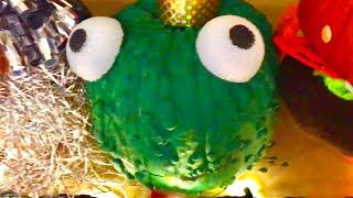 LEARN COLORS  Hamburger  Family Fun  Pumpkins  HAPPY HALLOWEEN  Vlog  Kinder Playtime