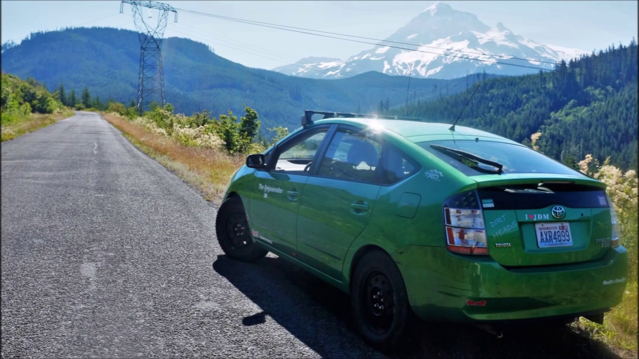Prius On Steroids >> This Lifted Prius Trolls Jeeps