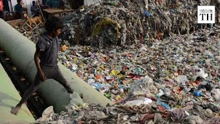 Delhi's illegal plastic market problem