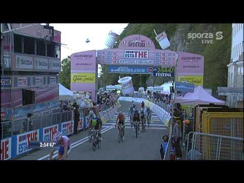 Bart de Clercq wint net voor spurtende groep met commentaar Sporza Giro 2011