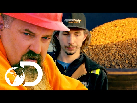 Parker Fumes After Low Gold Clean Up | New Gold Rush Tuesday 9pm | Discovery UK
