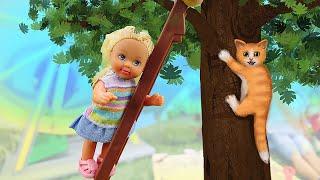 Маленькая Барби Штеффи нашла котенка - Видео для девочек про истории Барби