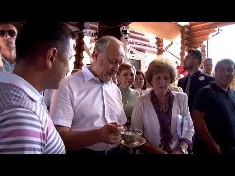 Поход губернатора Валерия Радаева в русский ресторан