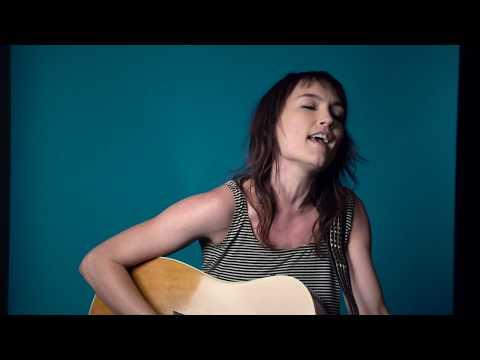 Hannah Harber - Heartaches LIVE Mp3