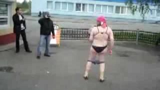 Неформатная танцовщица)))