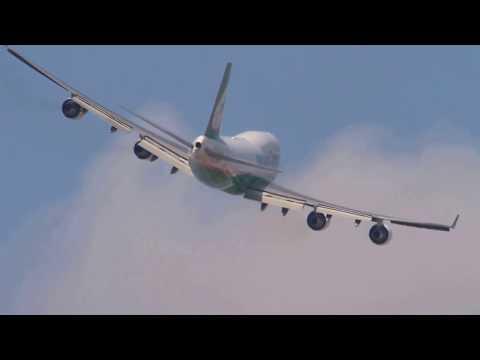 Plane Spotting Taiwan Taoyuan international airport (Morning)
