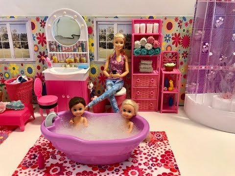 BATH TIME! Barbie Bath! Haley and Ally!