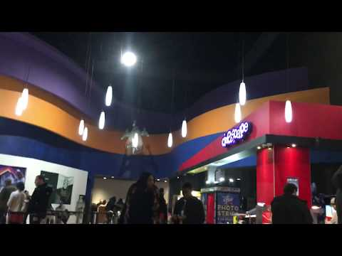 Канадский Кинотеатр ==  Cineplex Movie Theatre == Yorkdale Mall == Toronto Canada