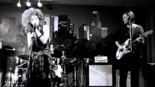 Andy Allo - This Is What It Feels Like - Live
