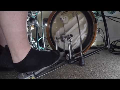 Bass drum technique for 16th and 32nd Notes