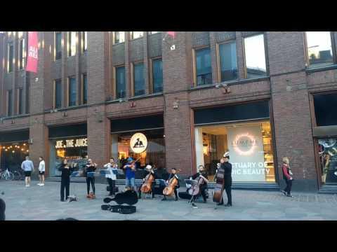 Con te partirò (Time to say goodbye) - Helsinki street orchestra