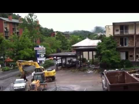 The demolition of riverside motor lodge youtube for Motor lodge gatlinburg tn