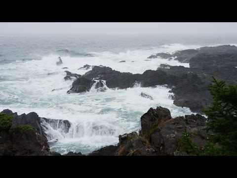 Rain Sounds, Ocean Waves and Distant Thunders – 4k Ultra Hd – Relaxing Sleep Sound
